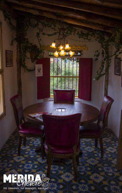 Llena de Gracia - Tienda -Restaurant - Pizzeria - Galería - Café 3